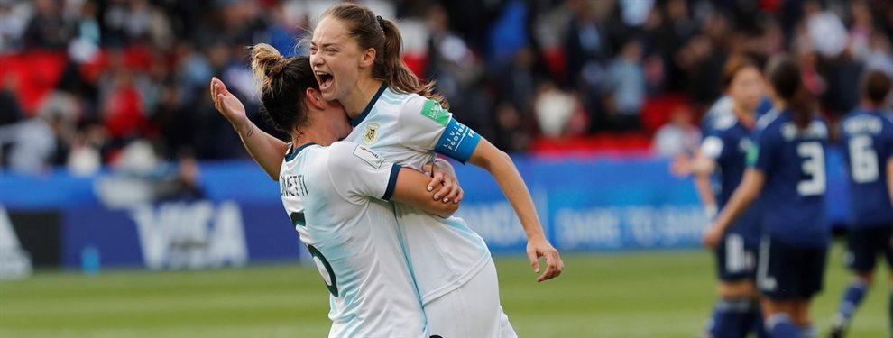 La Selección Argentina se mide con Escocia en la última jornada de la fase de grupos del Mundial Femenino.
