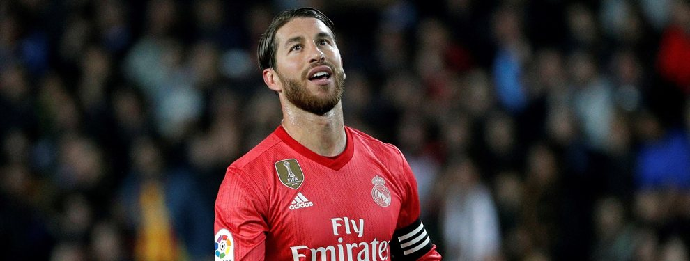 Sergio Ramos intenta evitar como pueda la marcha de Nacho Fernández del Real Madrid