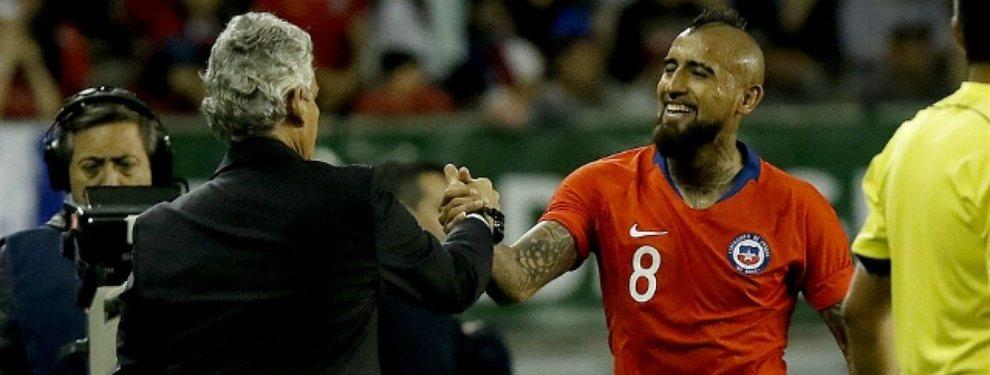 El seleccionador de Chile arremetió contra Arturo Vidal después de que abandonase el entreno