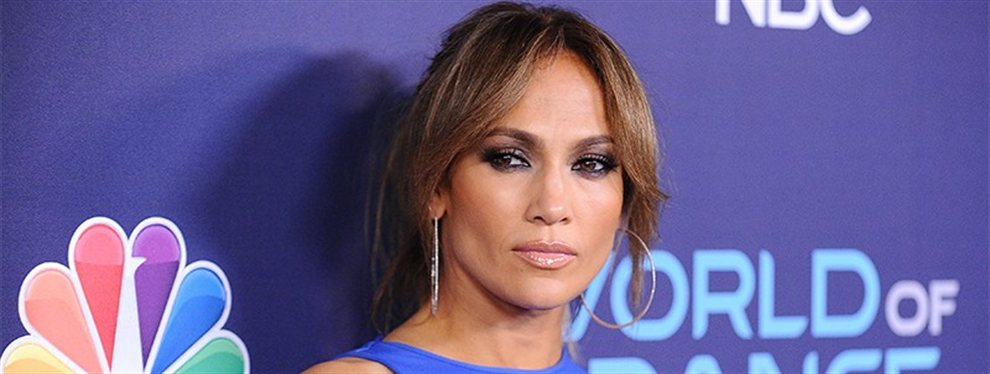 Jennifer López es acusada de hacer playback en los conciertos por varios de sus fans