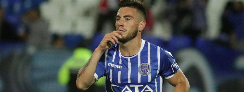 Estudiantes de La Plata oficializó la contratación de Ángel González, procedente de Godoy Cruz.