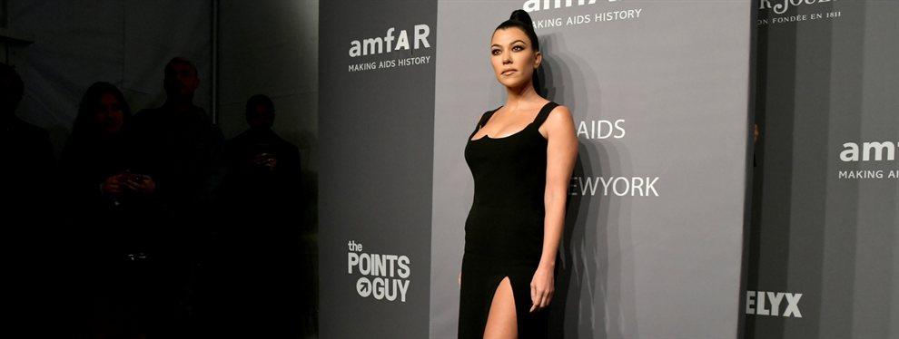 Kourtney Kardashian subió una foto en un barco con un bikini que delataba un sobrepeso