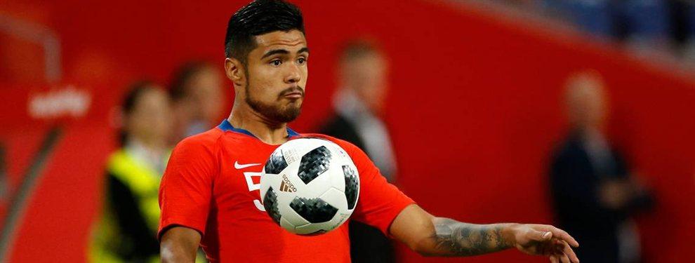 El defensor de la selección de Chile, Paulo Díaz, podría no llegar a River por otras ofertas que maneja.