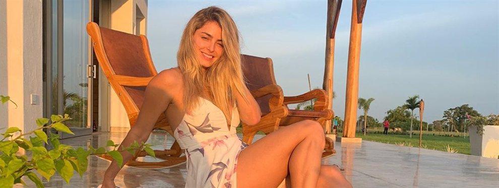 Cristina Hurtado logra quedar con seis de sus mejores amigas para fotografiarse vistiendo todas el mismo bikini.
