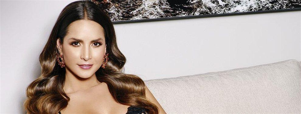 Carmen Villalobos publica una fotografía con un bikini bandeau y de talle alto, prenda poco frecuente en ella.