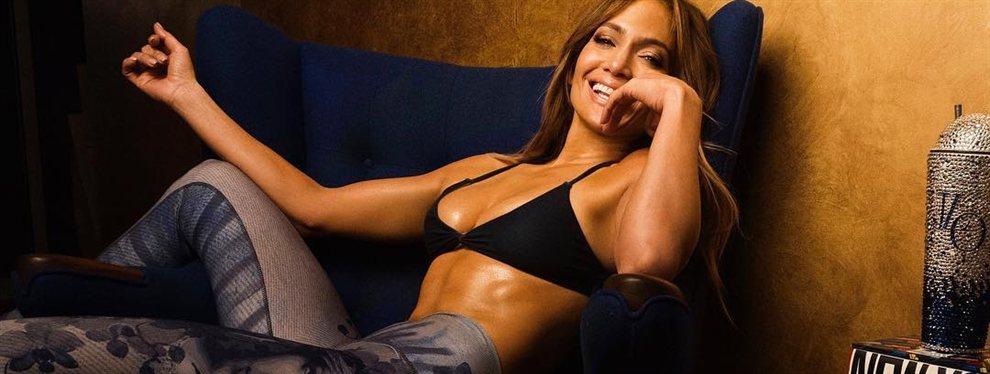 Clase, elegancia… ¡y ojo al escotazo! que se gasta la Jennifer López más desproporcionadamente más sensual y rompedora: ¡J Lo va directa al Olimpo!