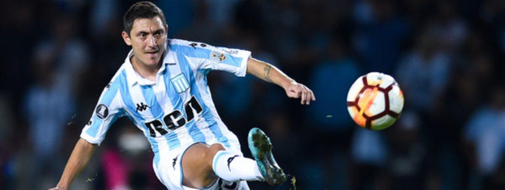 Luego de algunas salidas del plantel, Racing podría a perder a Nery Cardozo en la antesala del debut en la Superliga.
