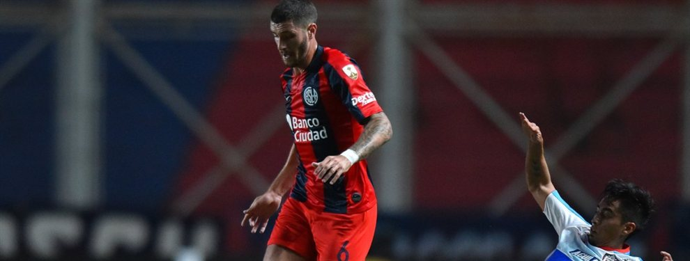 Luego de la eliminación de San Lorenzo en la Copa Libertadores, Marcos Senesi podría emigrar rumbo a la Fiorentina.