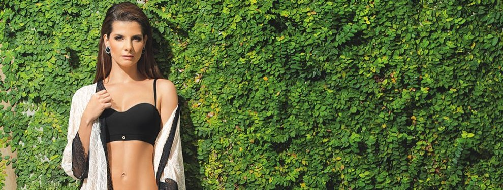 La modelo Carolina Cruz Osorio se atreve con un bikini que ha sido diseñado por ella misma