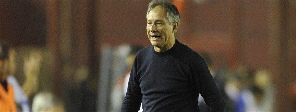 El ex técnico de Independiente, Ariel Holan, es el principal candidato para dirigir a la Universidad de Chile.