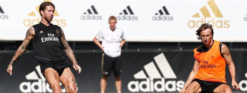 Mariano Díaz tendrá que salir del Real Madrid y lo hará enfrentado a varios jugadores como Sergio Ramos