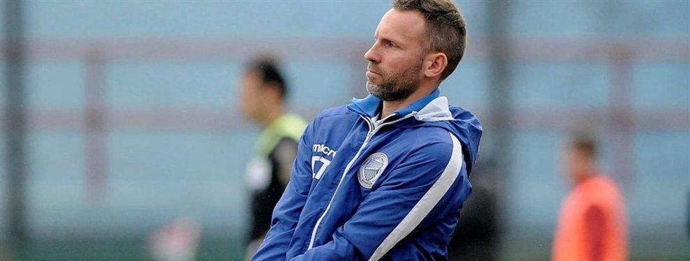 Godoy Cruz decidió despedir al entrenador Lucas Bernardi y ya designó a su reemplazante.