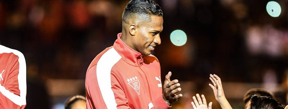 Antonio Valencia se marchó del Manchester United y se convirtió en un referente de la Liga de Quito.