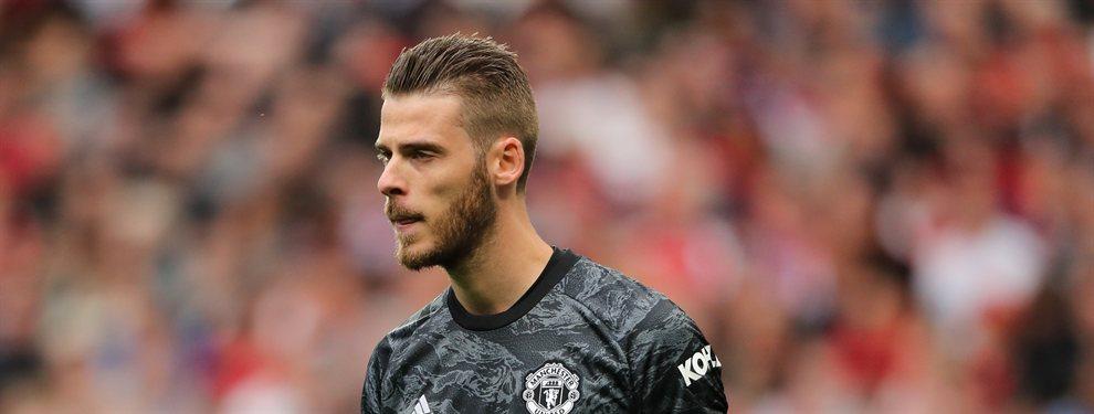 El portero español ha detenido su renovación con el Manchester United y en Inglaterra ya sospechan del motivo