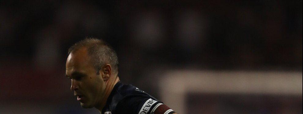 El jugador se despidió del fútbol en activo en lo que fue una fiesta del fútbol