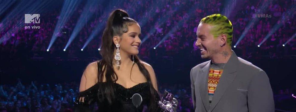 Bombazo: ¡Rosalía revienta los MTV VMAs y Ozuna y J Balvin alucinan!: premio y sale en Times Square con este vestido a lo Emily Ratajkowski