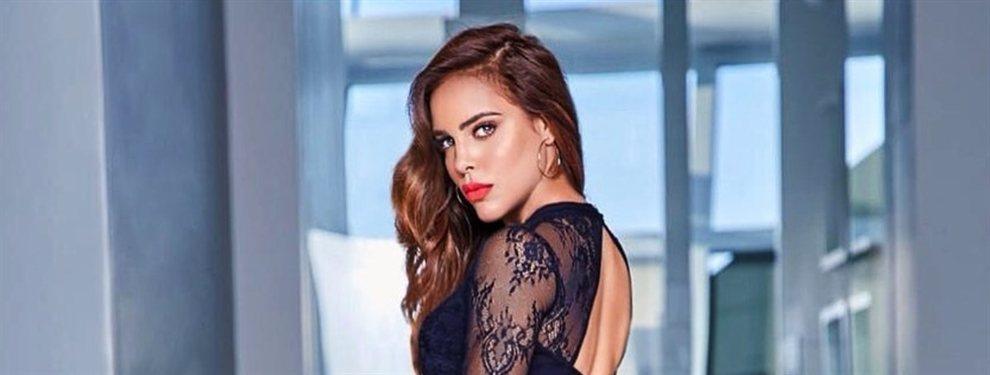 La polifacética Sara Corrales ha decidido mostrarse con una falda de cuero que le ajusta muy bien.