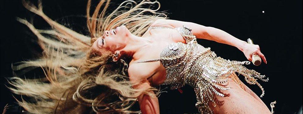 Álex Rodríguez le baja el vestido a Jennifer López: ¡Cuidado que se te ve!: De jefa de strippers en 'Hustlers' a casi hacer uno real ¡por este descuido!