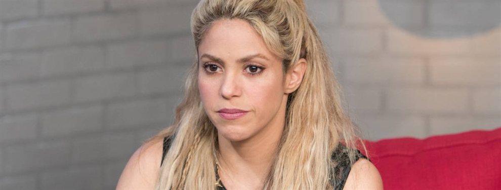 La superestrella Shakira se presenta en esta fotografía donde se revela a una jovencita que no es muy fácil de identificar.