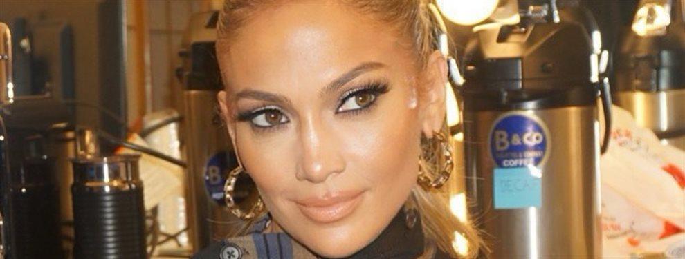 Jennifer López se hace un selfie ¡y casi se le salen! ¡Mira el vídeo!: Muy bestia el modelito de la diva del Bronx que enloquece a Michelle Lewin