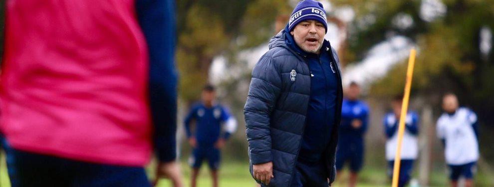Diego Maradona comienza a delinear el equipo que enfrentará a Racing en su debut.