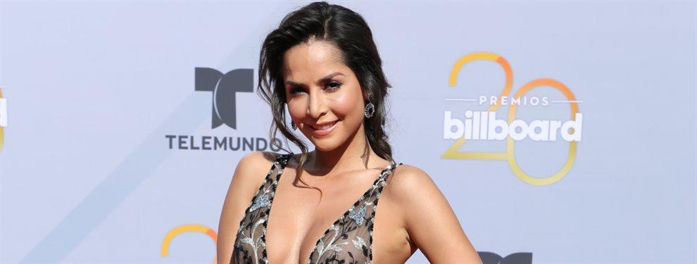 Carmen Villalobos, la estrella de Sin senos no hay paraíso, aparece en esta fotografía enseñando su curvilínea figura sin ropa.