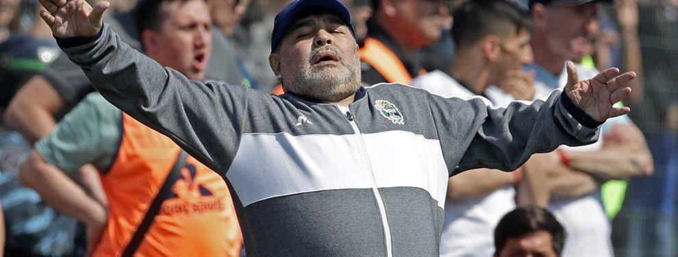 En el debut de Diego Armando Maradona, Gimnasia de La Plata perdió 2-1 ante Racing.