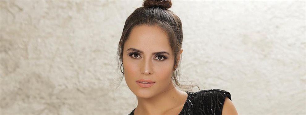 Ana Lucía Domínguez posa con la cara totalmente limpia sin gota de maquillaje y está guapísima