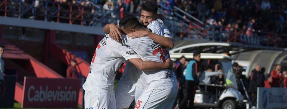 En el Nuevo Gasómetro, Central Córdoba consiguió un triunfo histórico al vencer 4-1 a San Lorenzo.
