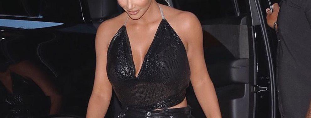 Kim y Kourtney Kardashian protagonizan de nueva una de las polémicas de la semana.Su foto ha dado la vuelta al mundo y nos muestran sus virtudes al natural