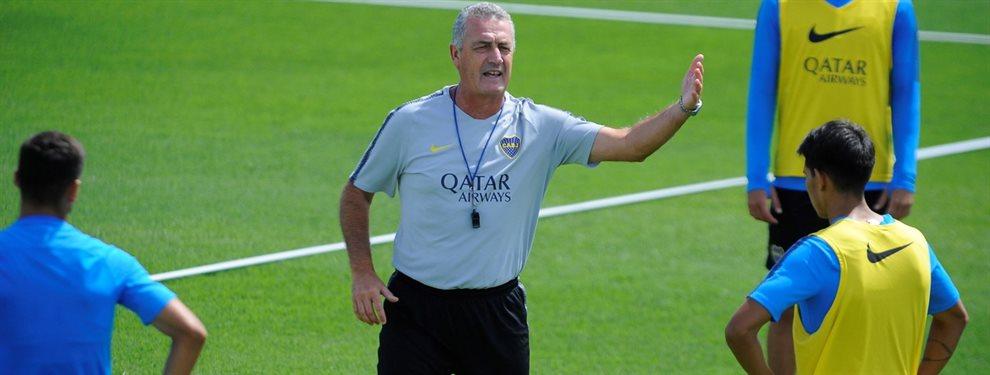 Gustavo Alfaro realizó un primer ensayo con el equipo y el esquema que podría utilizar ante River.