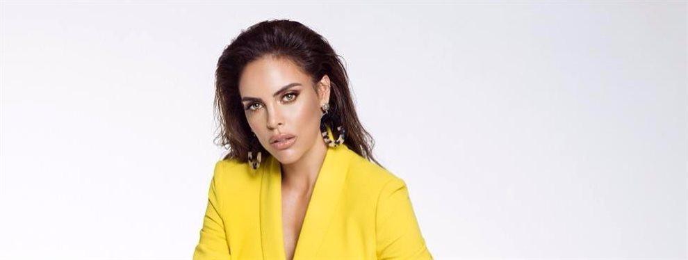 La modelo Sara Corrales sale a la calle con un modelito que no se sabe muy bien qué es pero que le sienta como un guante y potencia todas sus curvas