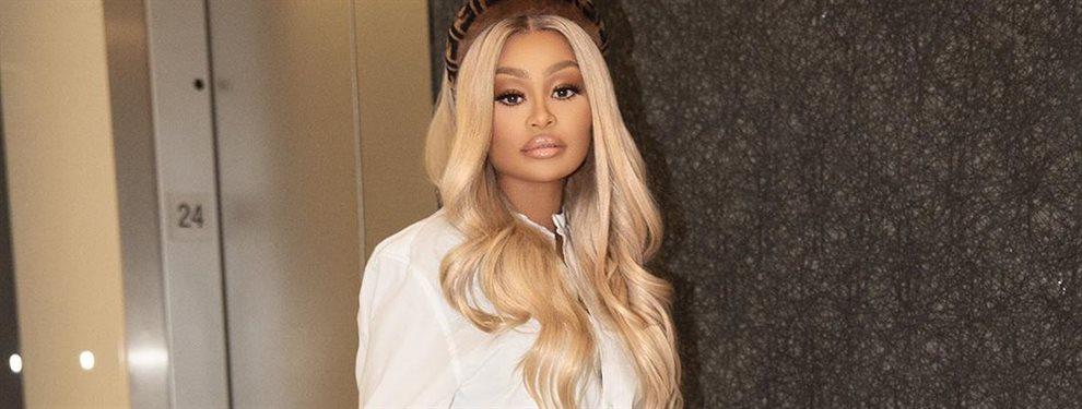 La que fuera mujer de Rob, hermano de las Kardashian, es comparada con las chicas del clan por el tema de la retaguardia, aunque ella prefiere callar.