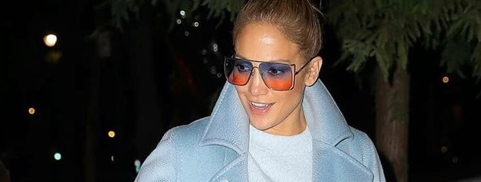¡Jennifer López se pasa con esta foto! graba ese momento frente al espejo pero ¡se le nota todo! ¡Shakira está alucinando con esta revelación de su amiga!