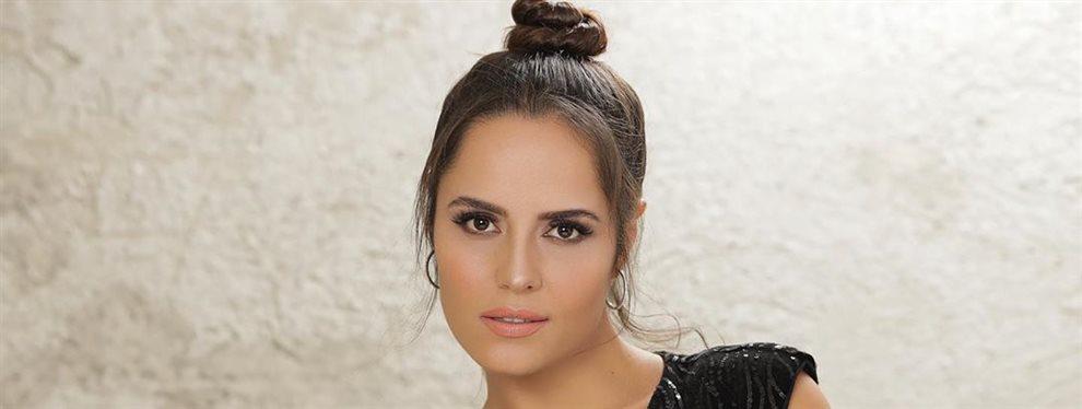 Ana Lucía Domínguez ha dejado sin palabras a Lorna Cepeda al darle un coletado en la cara cuando pasa por delante de ella y todo con una sonrisa en la cara