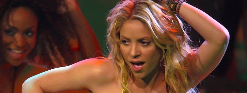 Shakira bate todos los récords: se pone a mover la retaguardia y rompe el pantalón en pleno escenario ¡No aguantó tanta presión y se le metió por ahí!