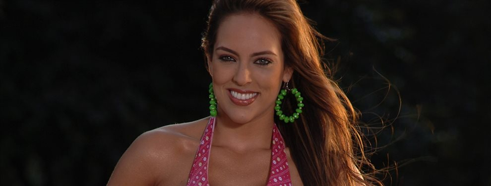 Sara Corrales disfruta de la naturaleza al mejor estilo de una impactante amazona.
