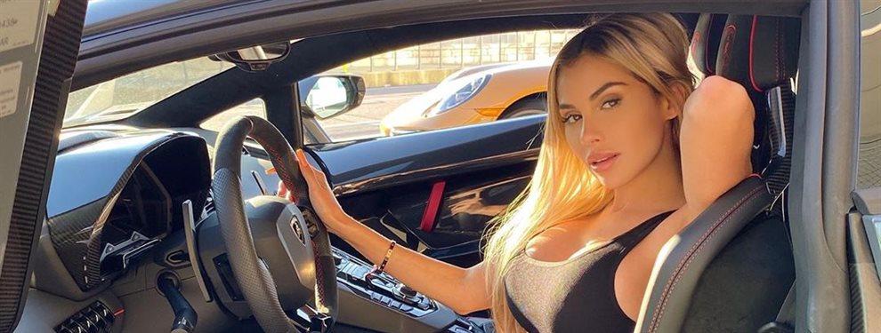 Alexa Dellanos ha copiado el exitoso estilo de Demi Rose con una falda muy larga que se abre por un lateral y deja a la vista el bikini de la influencer.
