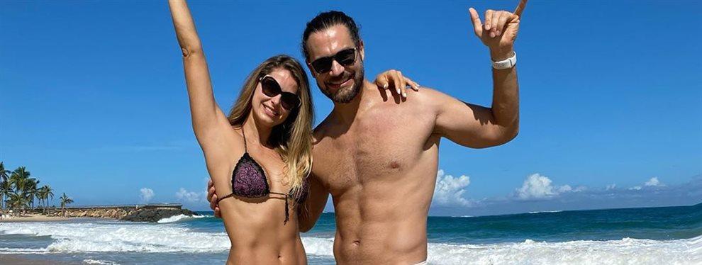Con la excusa de un viaje de trabajo, Cristina Hurtado está pasando unos días en República Dominicana con su marido, sus bikinis mini, pareos y la playa.
