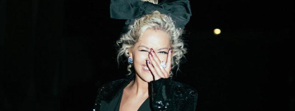 Rita Ora quema la red con esta foto casera de su intimidad: la cantante se agacha y se le ve eso ¡Lo tiene muy negro! Iggy Azale alucina con el descaro
