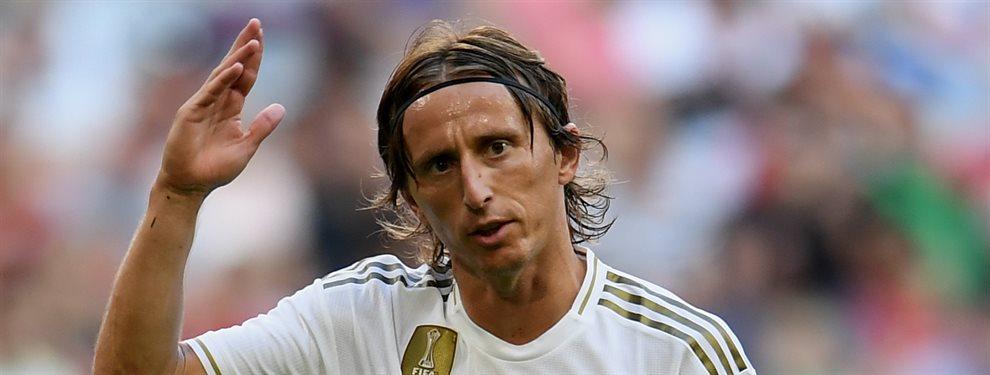 Luka Modric que estuvo cerca de salir del Real Madrid durante el verano ha cambiado de planes.