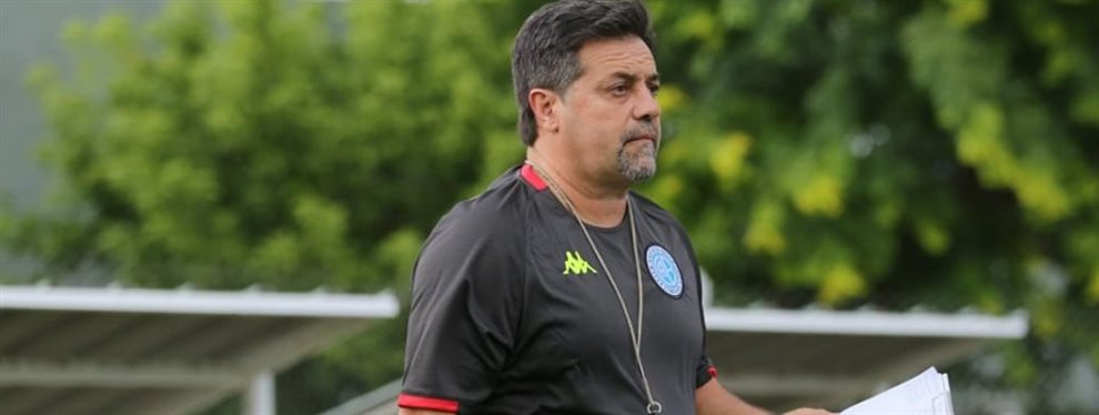 El ex defensor de Boca que se entrena en Belgrano y espera convencer a Ricardo Caruso Lombardi.