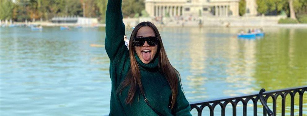 La presentadora y modelo Lina Tejeiro vuelve a la soltería, y para evitar que se hable de ello y no de ella se planta un top de rejilla que transparenta.