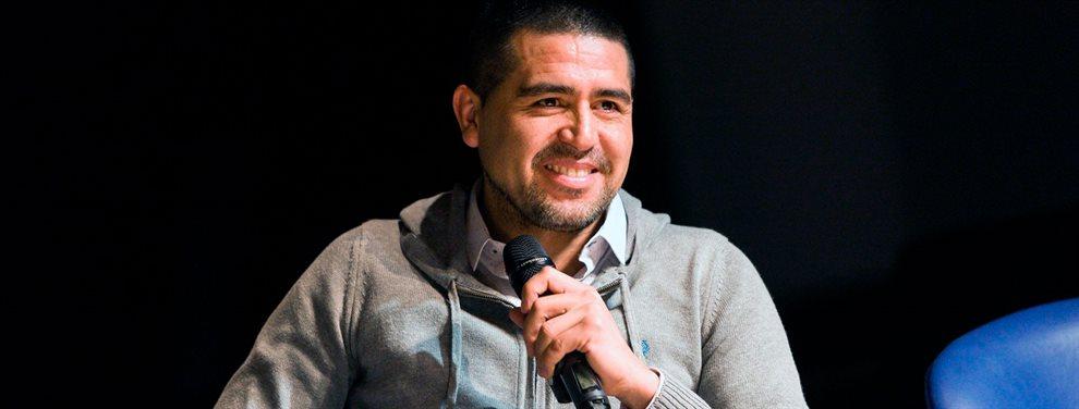 Juan Román Riquelme les habría ofrecido a Nicolás Burdisso y Carlos Tevez continuar en Boca.