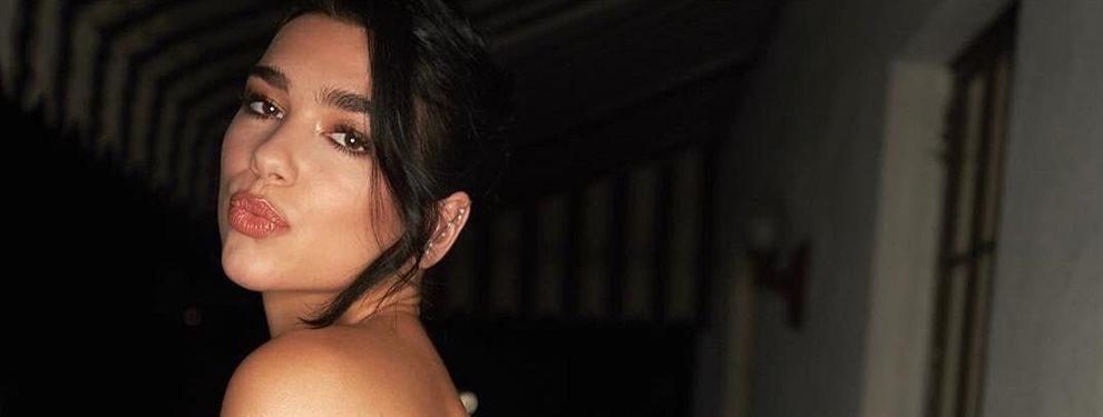 La cantante británica Dua Lipa ha enseñado en una de sus últimas fotos en las redes cuerpo completo al natural para el disfrute de todos sus seguidores