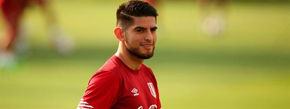 Carlos Zambrano, defensor peruano, se encuentra en la agenda de Boca ante la posible salida de Paolo Goltz.