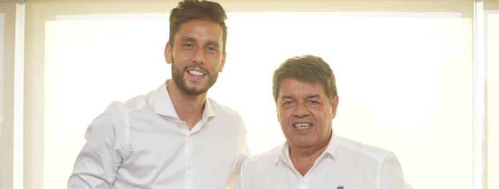 Vélez anunció que Ricardo Álvarez firmó su contrato con la institución hasta junio de 2021.