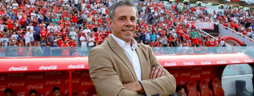 Lucas Pusineri habría decidido una estrategia para afrontar el clásico de Avellaneda.