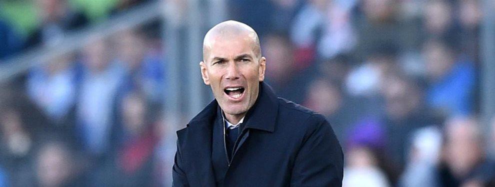 Zinedine Zidane está luchando para sostener la serenidad que le caracteriza, pero un futbolista de la plantilla le está haciendo la tarea difícil.