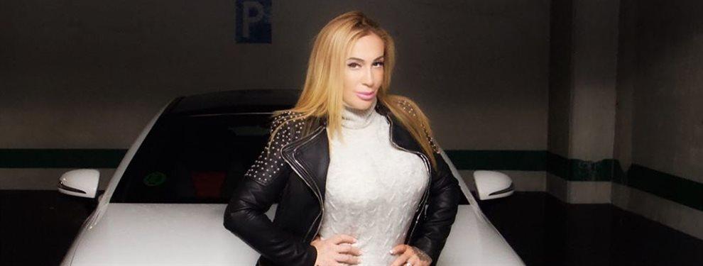 La deportista Victoria Lomba sólo puede usar ropa deportiva para ir al trabajo, por eso cuando llega el fin de semana se pone de tiros largos y con tacón